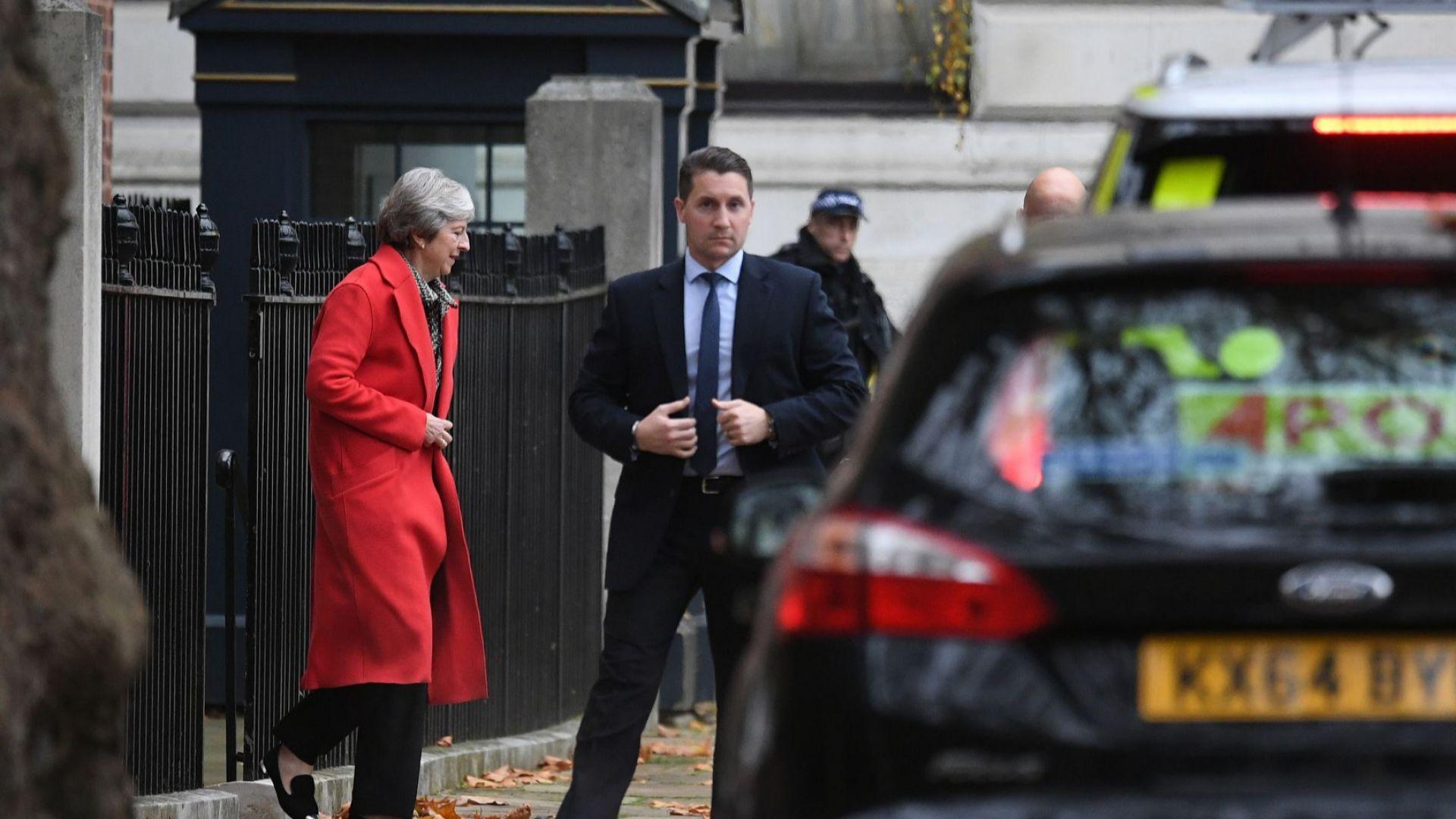 Британският премиер Тереза Мей днес си пое глътка въздух след
