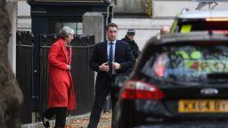 Криза в Лондон: Тереза Мей звъни на Туск с молба за помощ за Брекзит