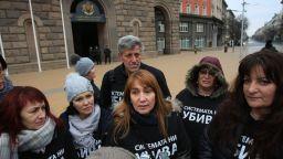 Протестиращите майки искат нова оставка