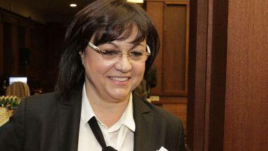 Корнелия Нинова: Оставката на Валери Симеонов е закъсняла и неискрена