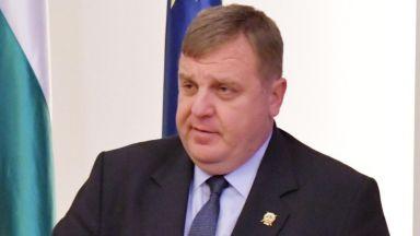 Каракачанов: Мисля творчески по предложението за оставка, ще реша във вторник