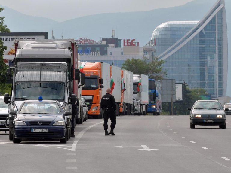 Съдът ще гледа жалбата на превозвачите срещу новите продуктови такси