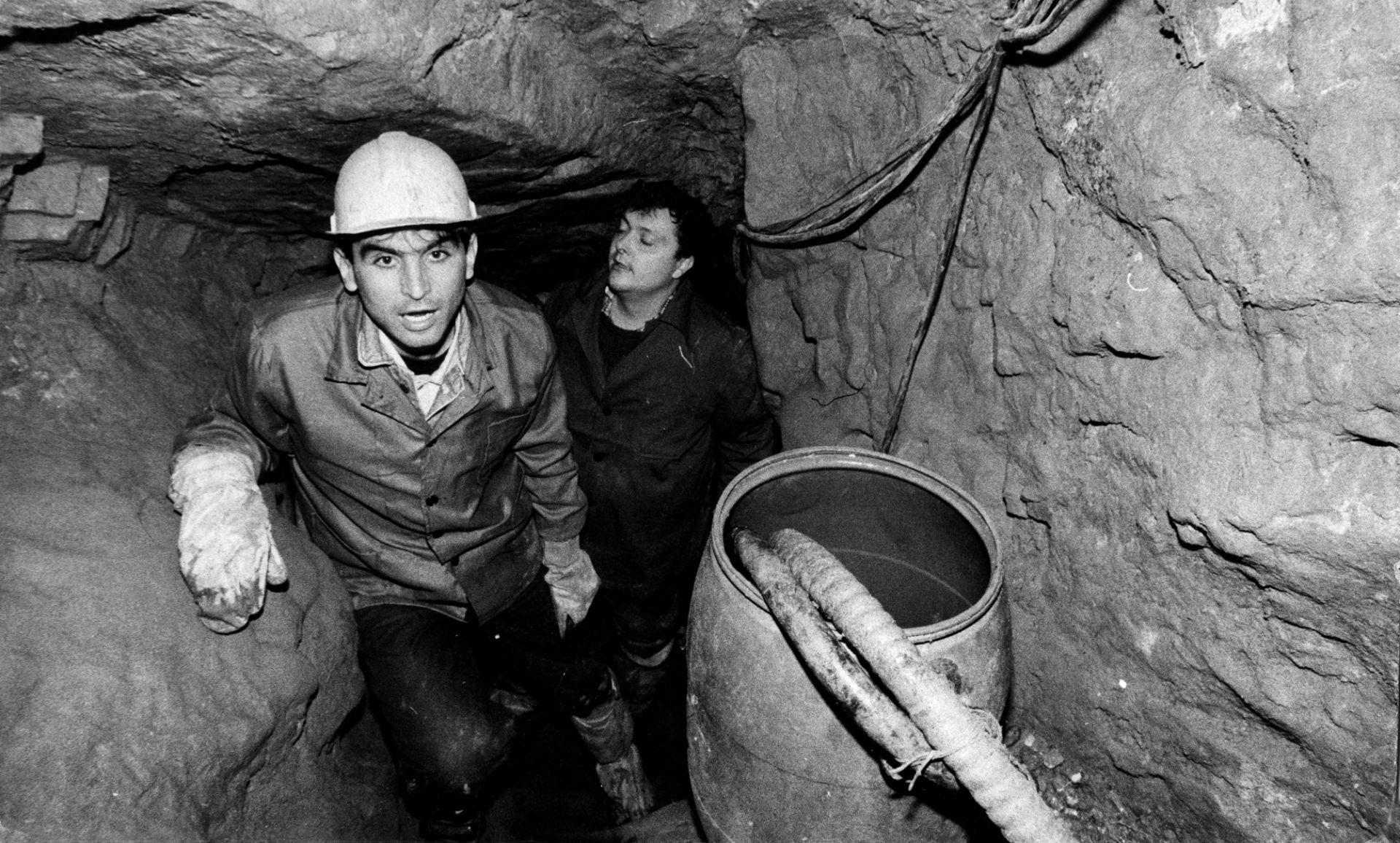 Димитър Статков и Георги Илиев - на прощална среща с дупката, за която пишат в продължение на месеци