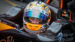 17-годишна претърпя страховита катастрофа във Формула 3 (видео)