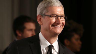 Шефът на Епъл призна, че все по-рядко ползва айФон