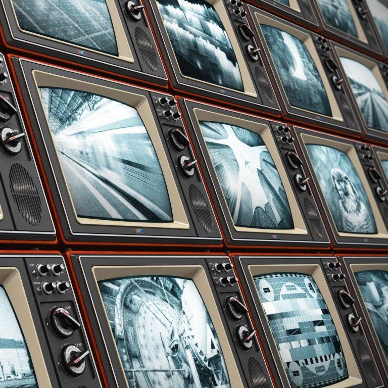 Защо хиляди британци все още гледат черно-бели телевизори?
