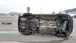 Катастрофа край пистата на Летище София (снимки)