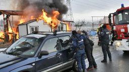 Пожар изпепели склад на Околовръстното шосе в София (снимки)