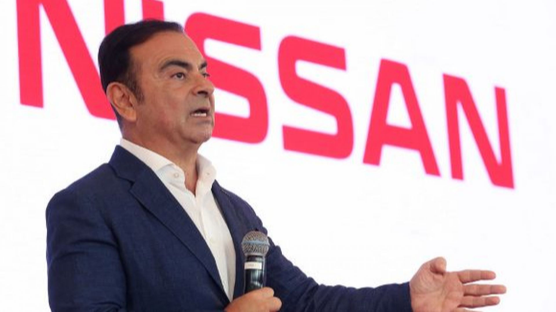 Акционерите на Нисан одобриха реформа за излизане от кризата