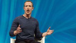 В САЩ искат достъп до пощата на Марк Зукърбърг