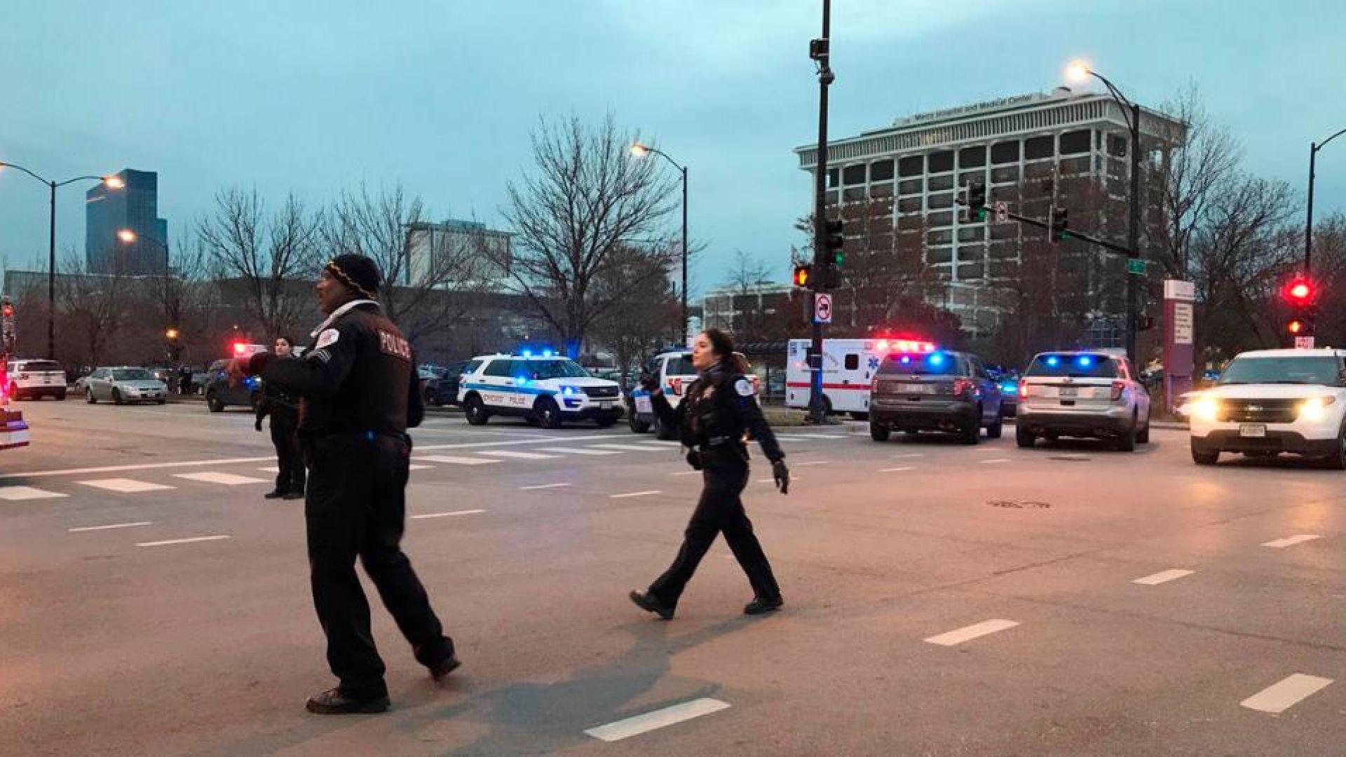 Четирима убити при стрелба в болница в Чикаго (видео)