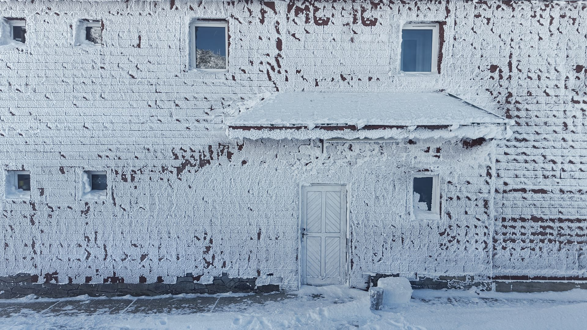 В Сибир стана по-студено от Антарктида
