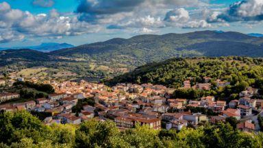 В Сардиния продават къщи на цената на чаша капучино