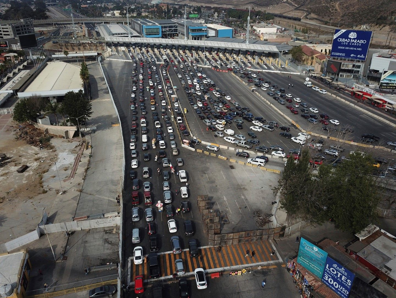 ГКПП между Мексико и САЩ при град Тихуана