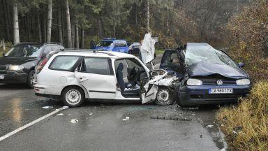 Три автомобила катастрофираха край Пасарел, има пострадали