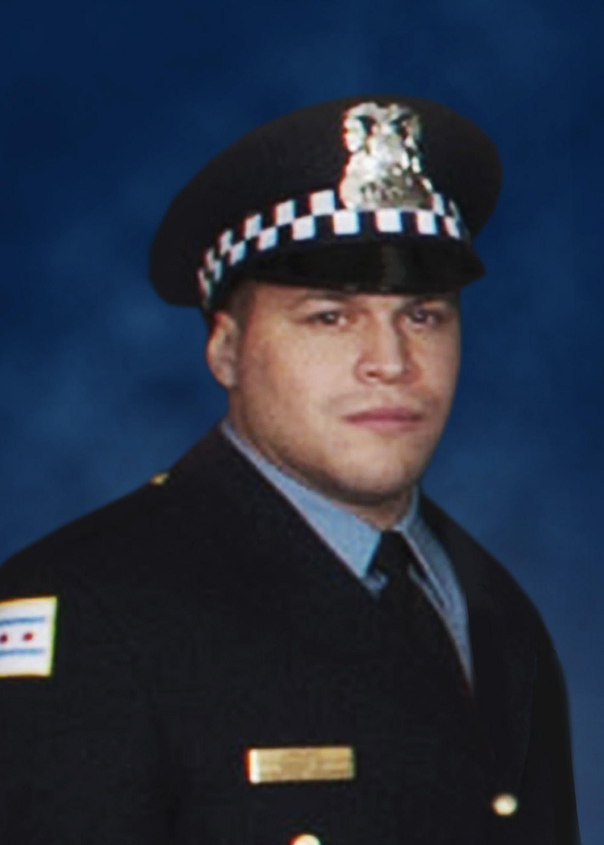 При стрелбата в болницата в Чикаго е убит полицай