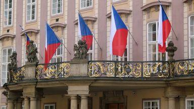 Чехия вдига минималната заплата на 584 долара