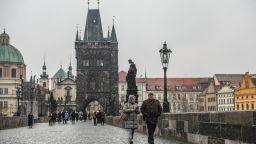 Чехия затваря магазините, с изключение на хранителни и аптеки