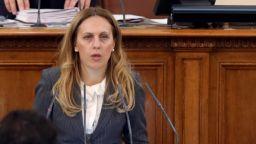 Марияна Николова: Повишаване на доходите е мой приоритет, дайте ми време