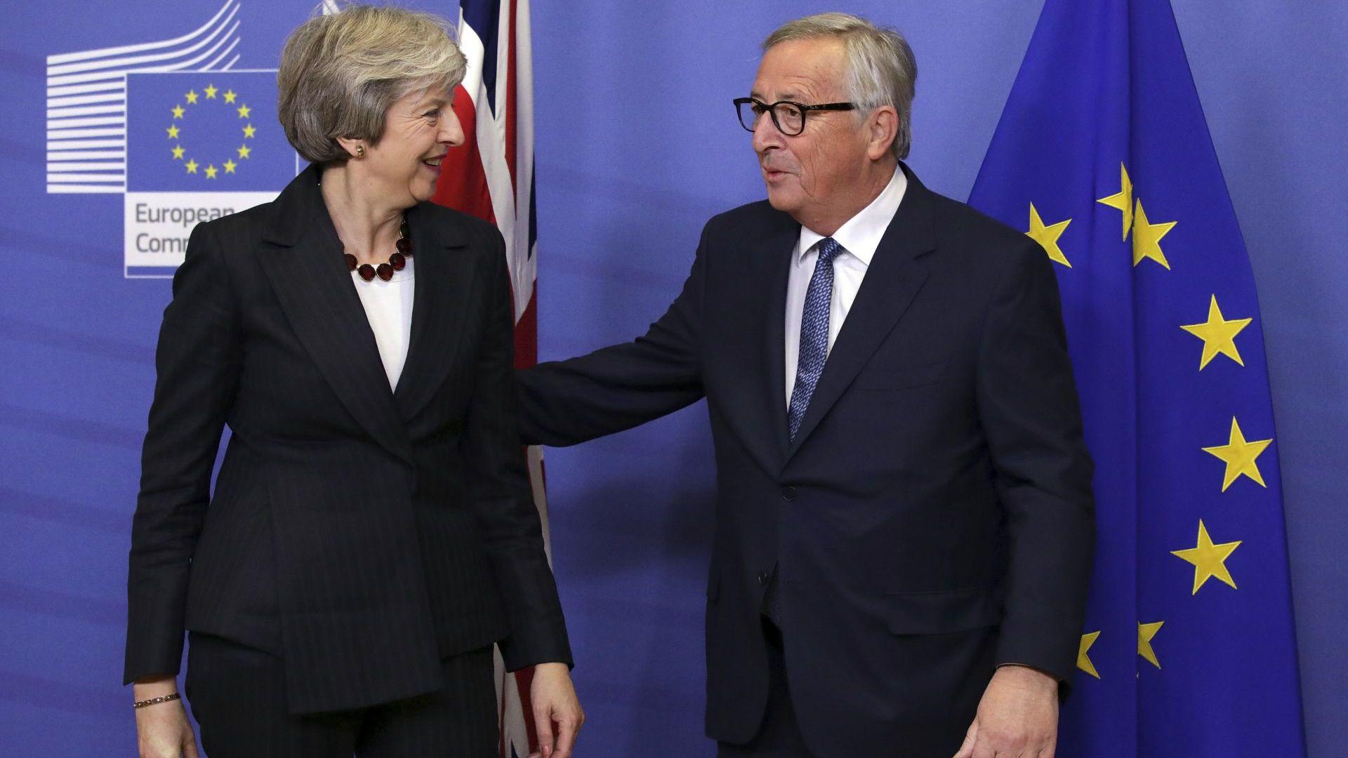 Британският премиер Тереза Мей се срещна с председателя на Европейската