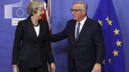 Тереза Мей и Жан-Клод Юнкер обсъдиха Брекзит на 4 очи