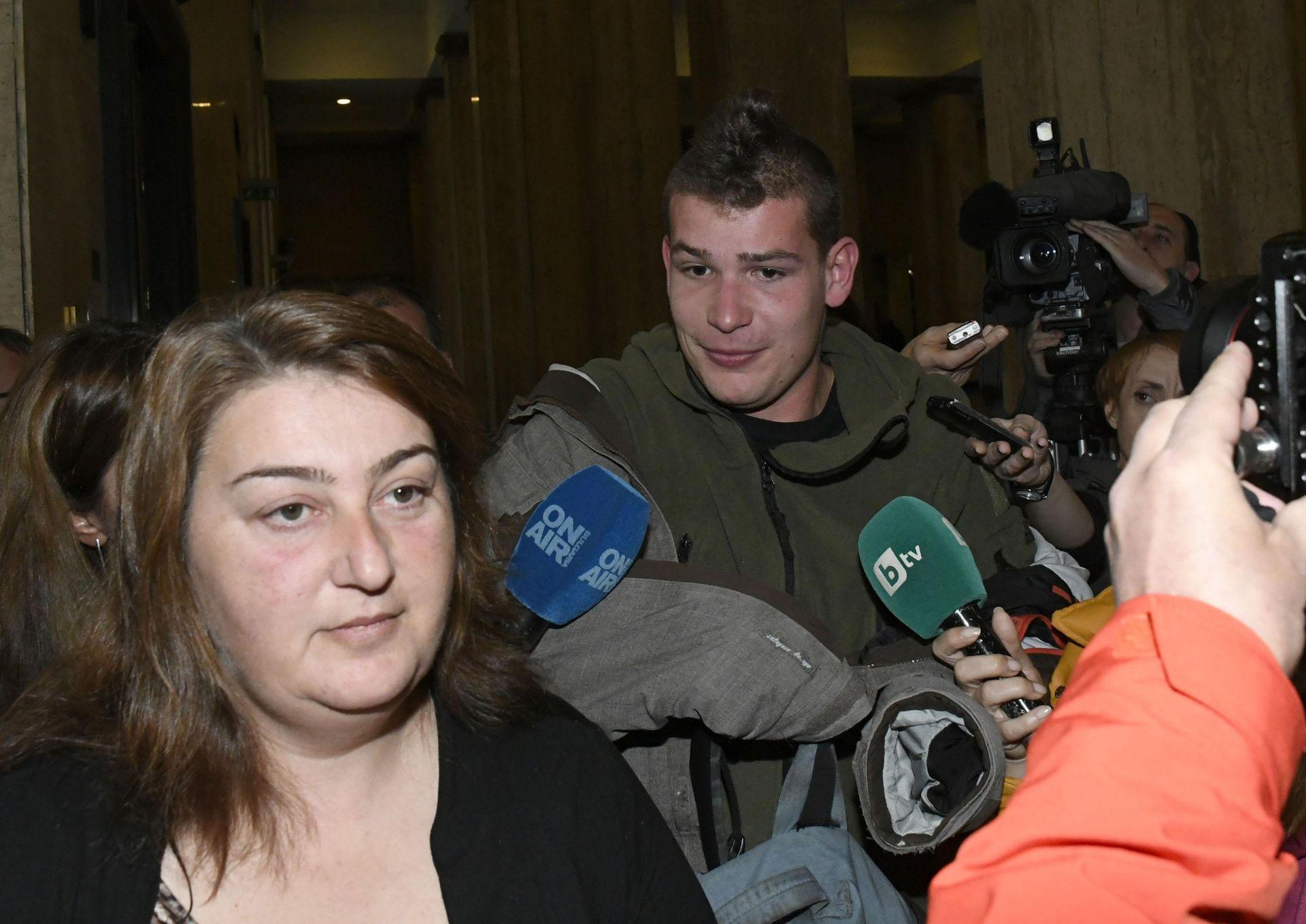 Защитата му заяви, че ще се съгласи да се споразумее с прокуратурата само ако се промени обвинението
