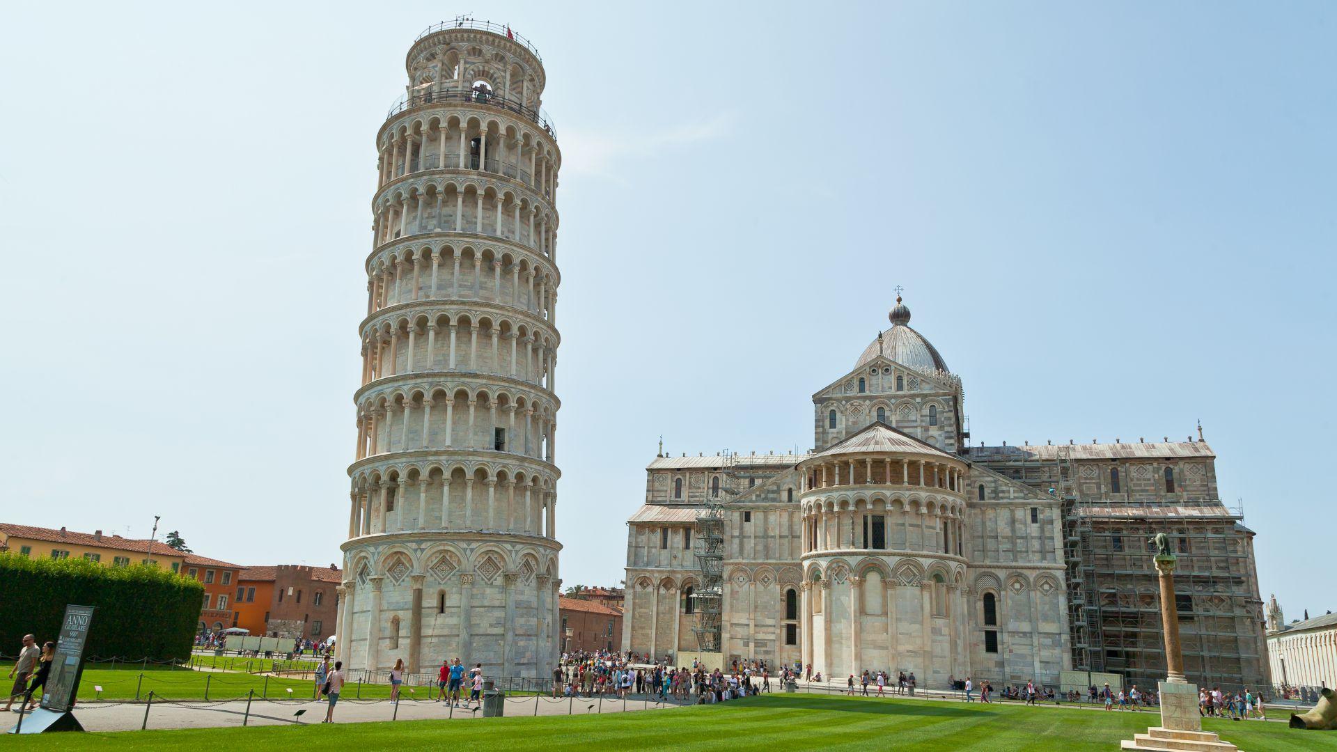 Кулата в Пиза вече е наклонена по-малко