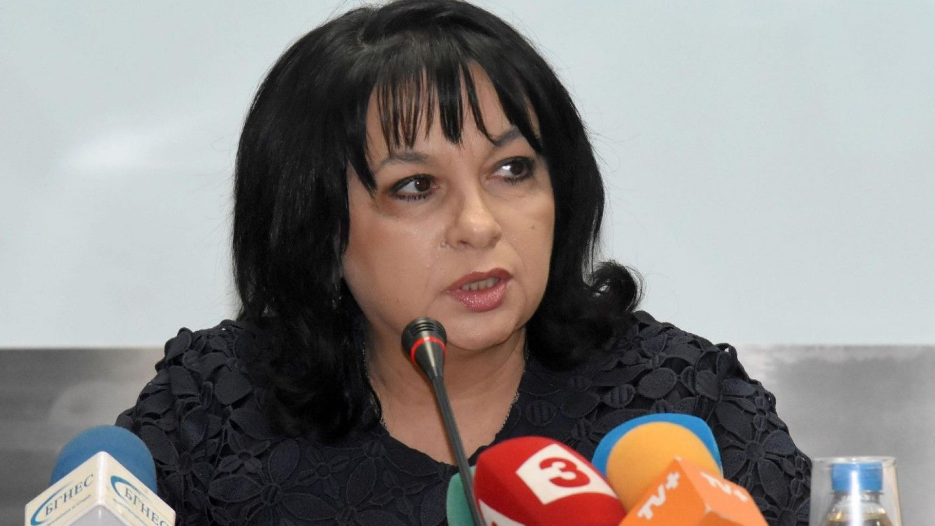 """Петкова: Нямаме нищо официално за """"Турки поток"""", но си пишем домашното"""