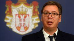 Меркел и Макрон загрижени за състоянието на сръбския президент