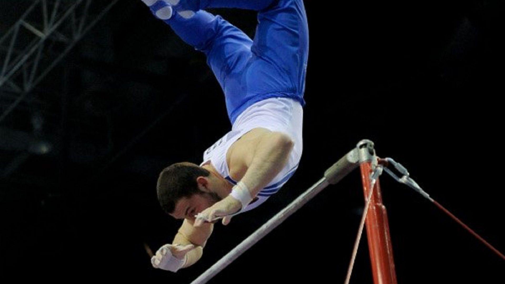 Гимнастик счупи световен рекорд с полета си (видео)