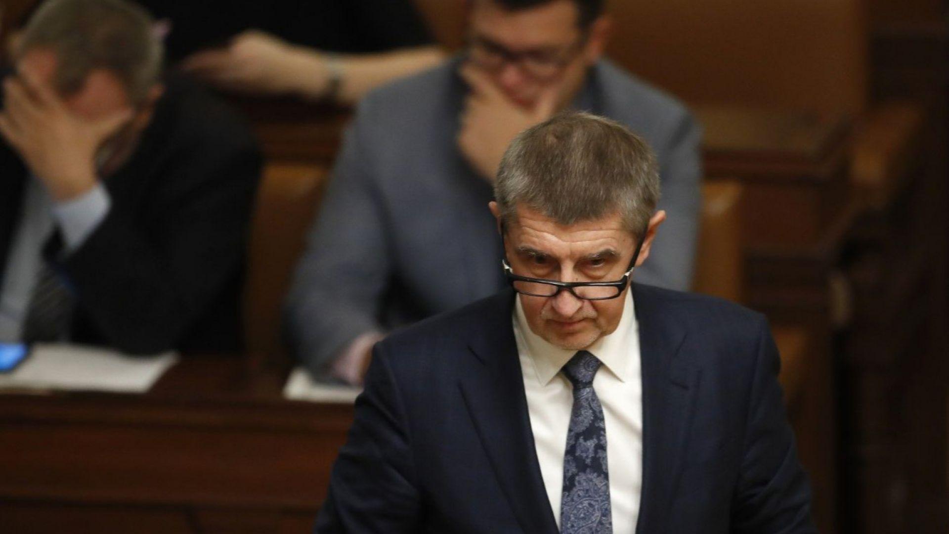 Изстрел в самолета на чешкия премиер на тръгване от Брюксел