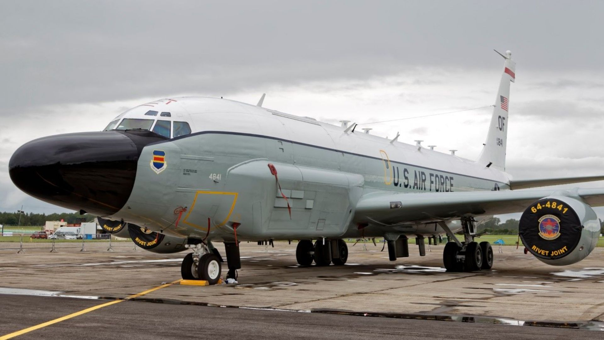 Американски самолет излетя от Крит и взе курс към Черно море