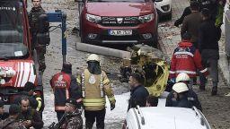 Военен хеликоптер се разби в сграда в Истанбул, 4-ма загинаха (снимки+видео)