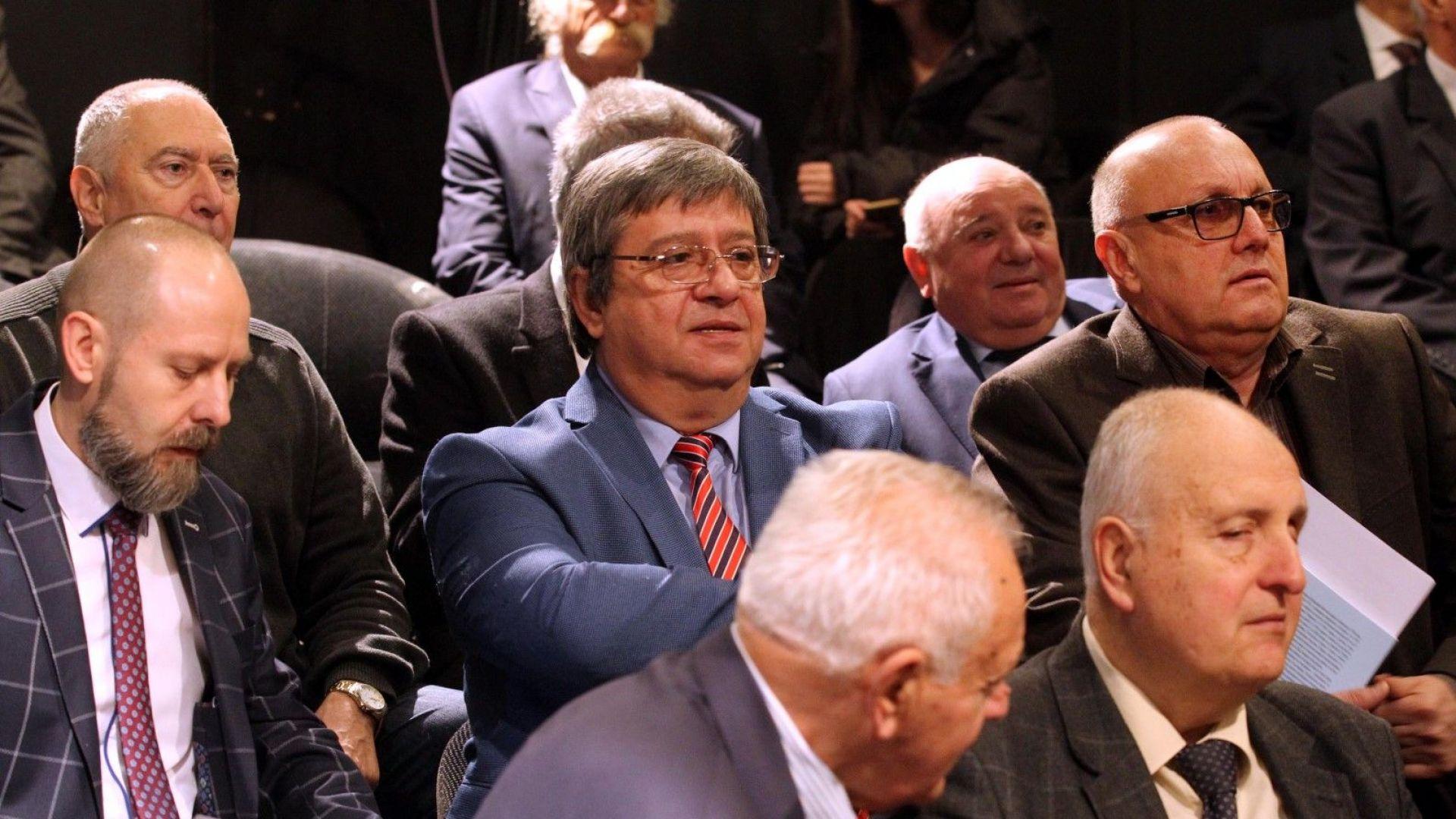 На снимката: Красимир Премянов (в средата)