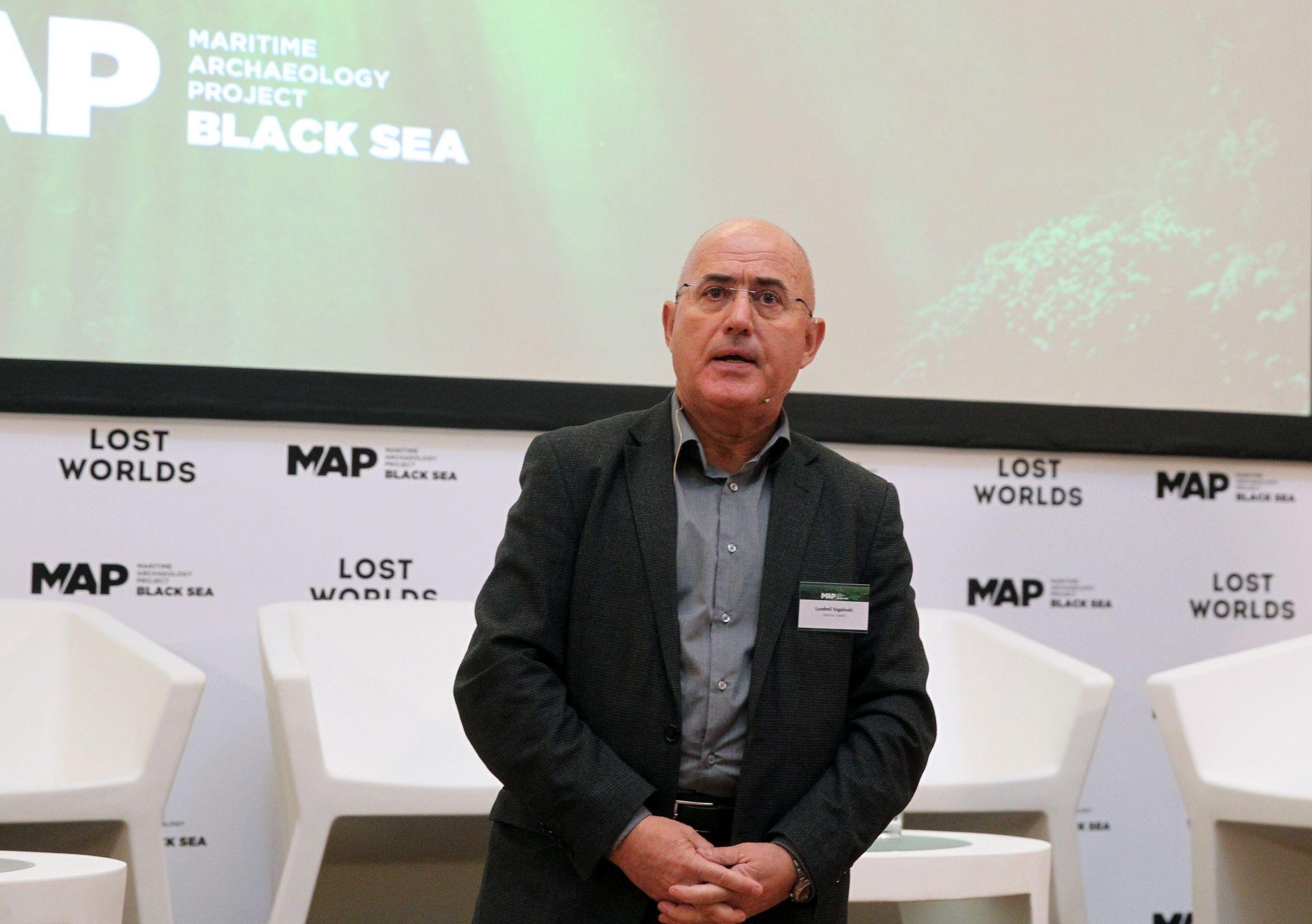 Директорът на НАИМ-БАН доц. д-р Людмил Вагалински