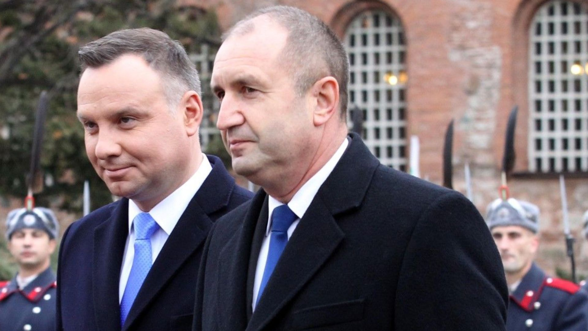 Радев и Дуда: Призоваваме Русия да освободи украинските кораби