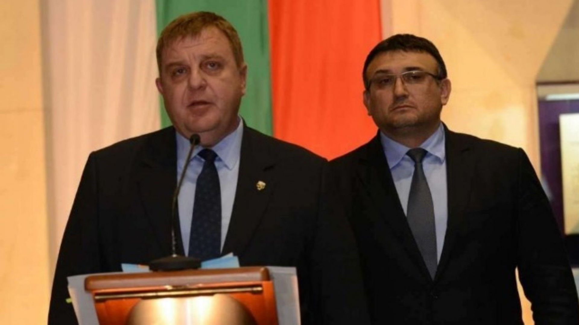 След предложението за закриване на ДАБЧ Каракачанов поиска Министерство за българите в чужбина