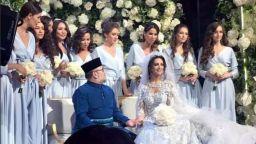 """По-малко от 1 г. след пищната сватба: Кралят на Малайзия и """"Мис Москва"""" се разведоха"""