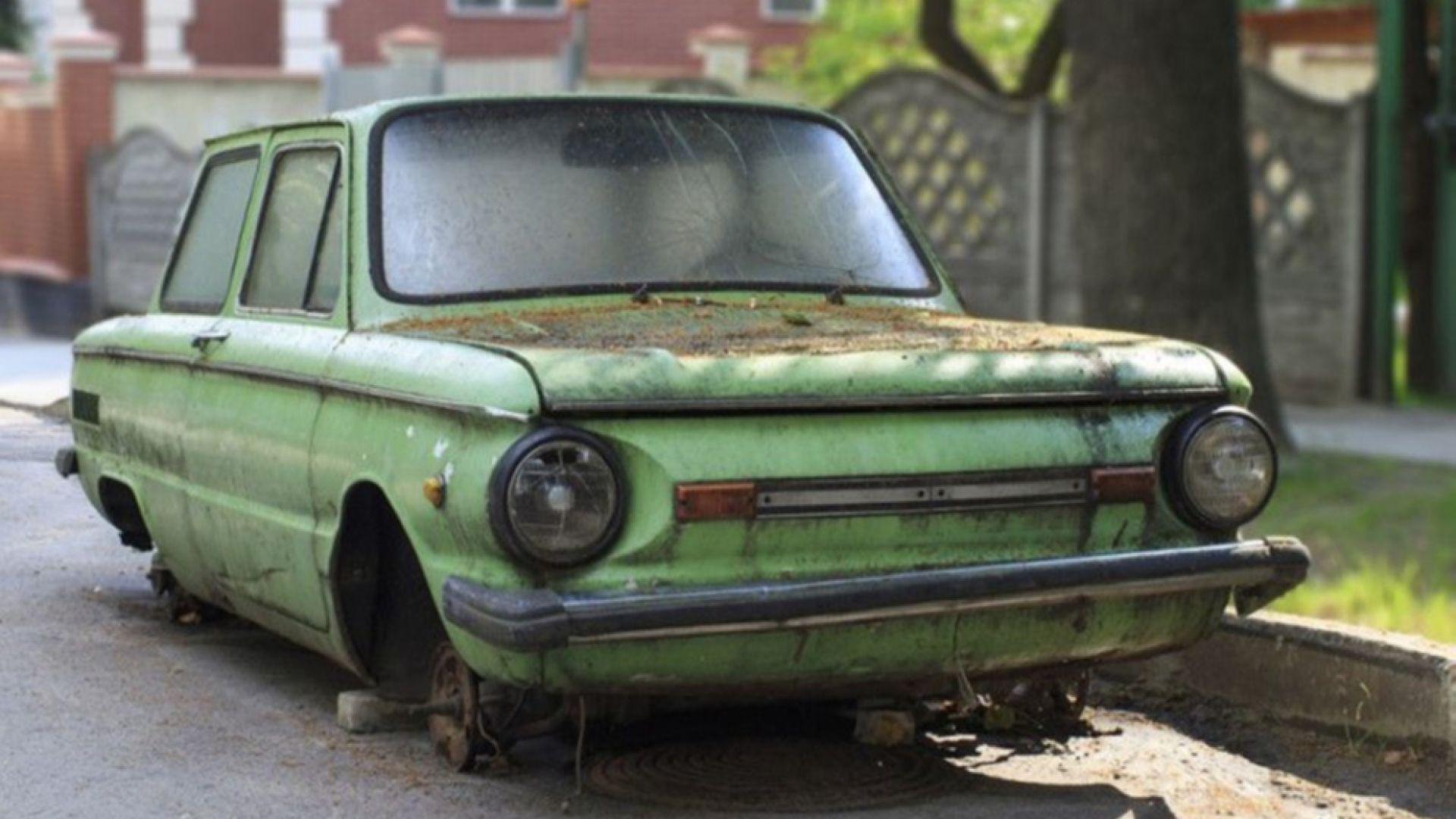 Във Варна продължават да разчистват трошки от улиците