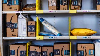 Амазон става пощенски оператор в Италия