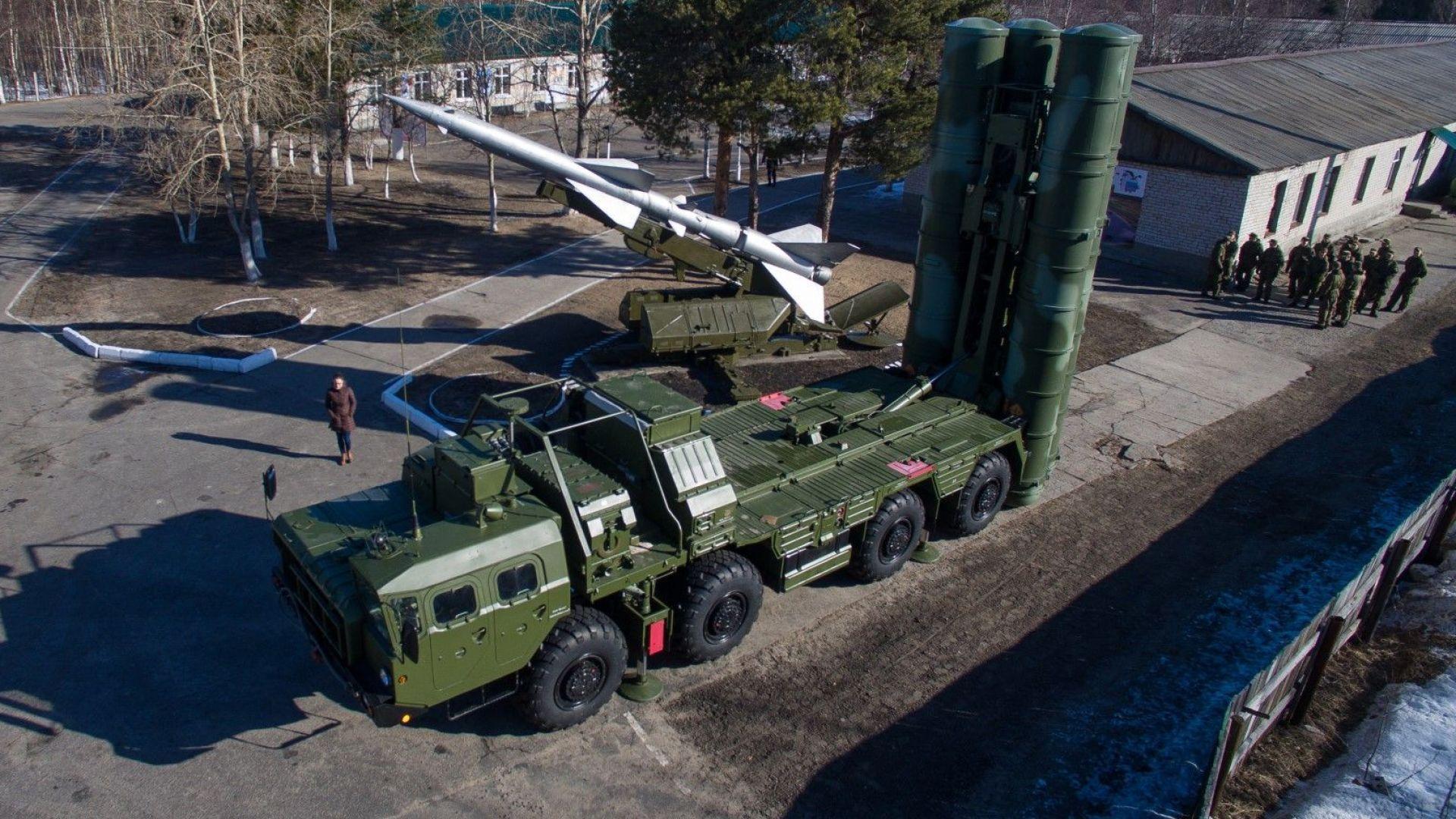 Москва изпраща ракети С-400 на бойно дежурство в Крим