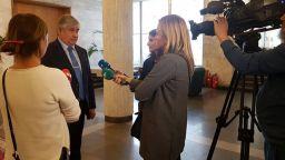 България гони двамата руски дипломати