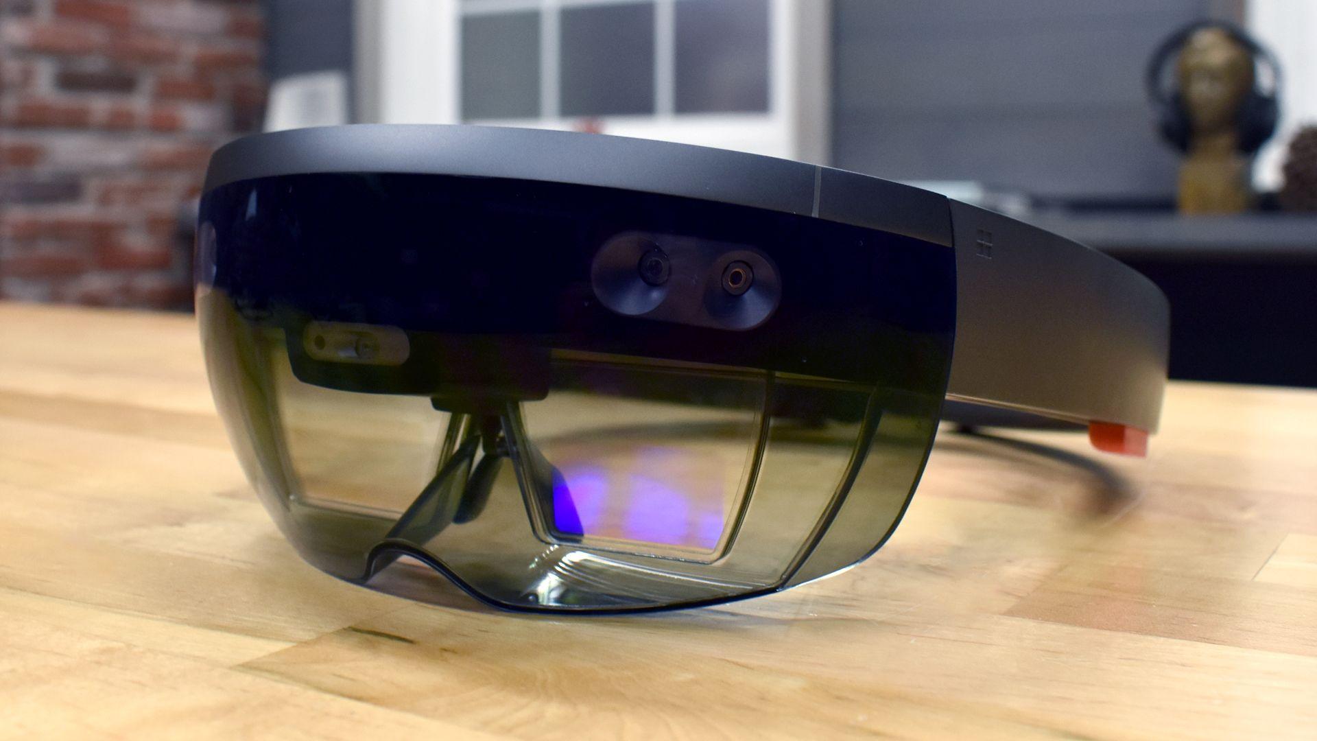 Microsoft ще покаже новите си очила за допълнена реалност