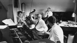 2,5 милиона долара за виолончелото на Ростропович