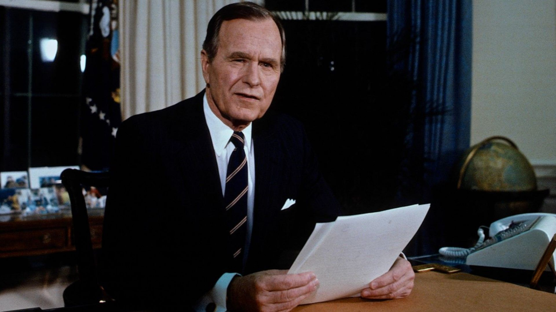 Светът скърби за Буш и изтъква заслугите му