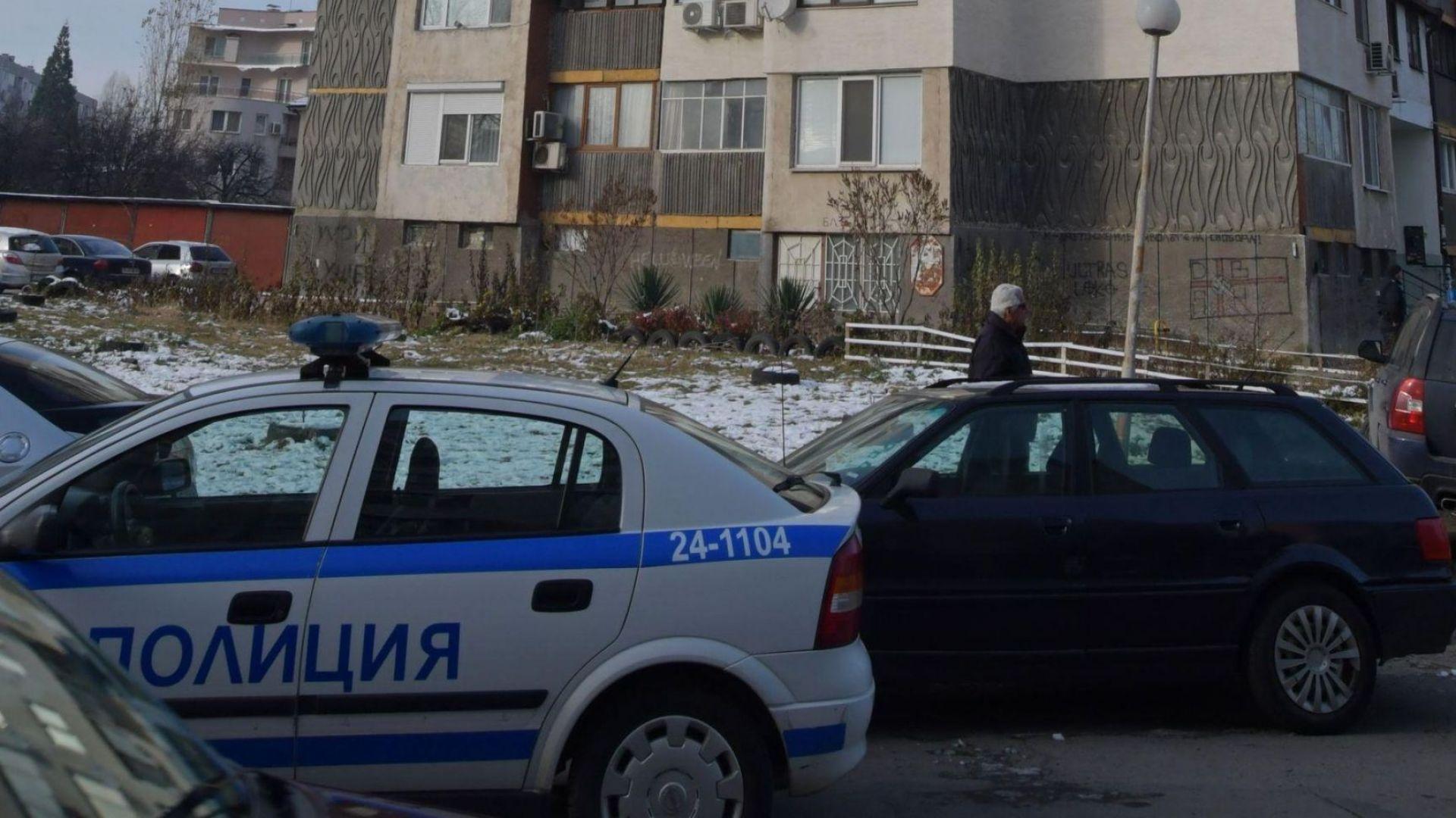 """Полицаи чакат дрогирания в """"Надежда"""" да се съвземе, карат го в затвора"""