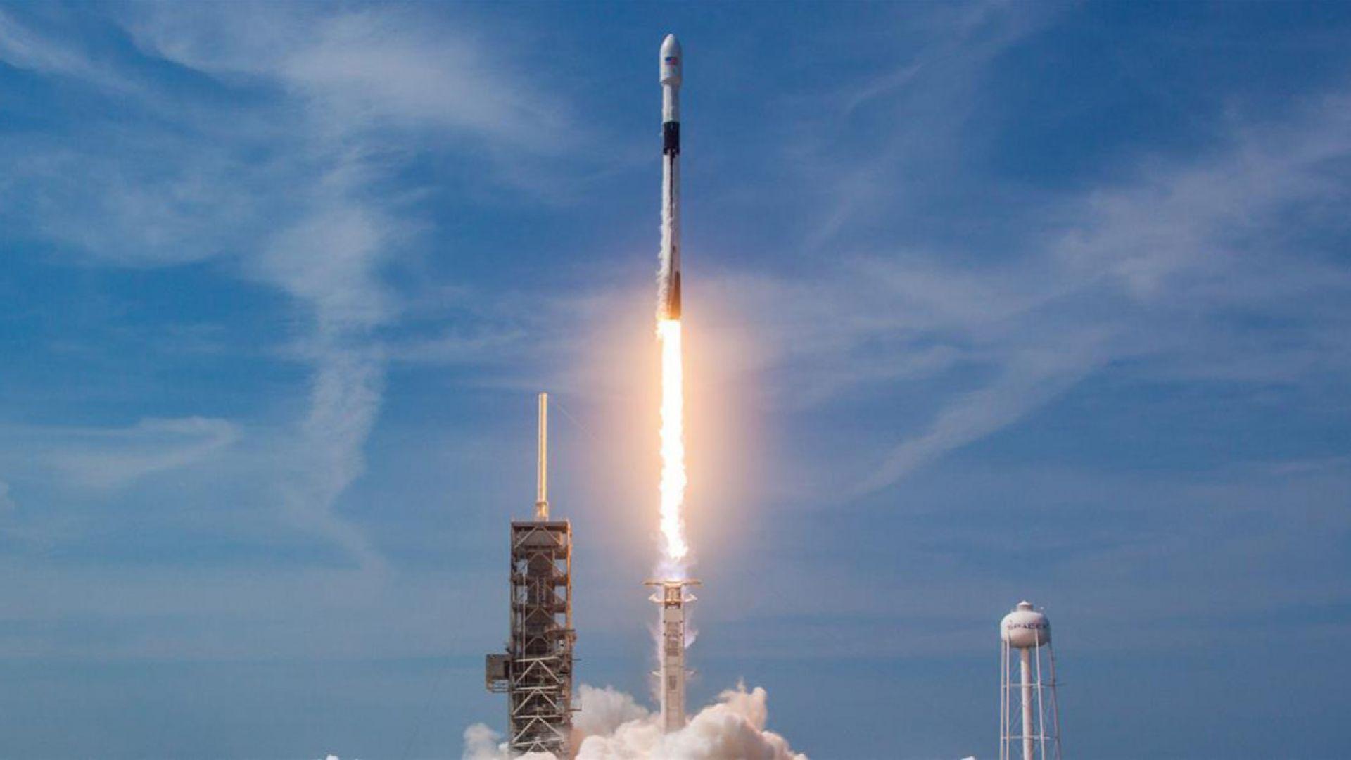SpaceX ще извежда в космоса най-ценните товари на НАСА
