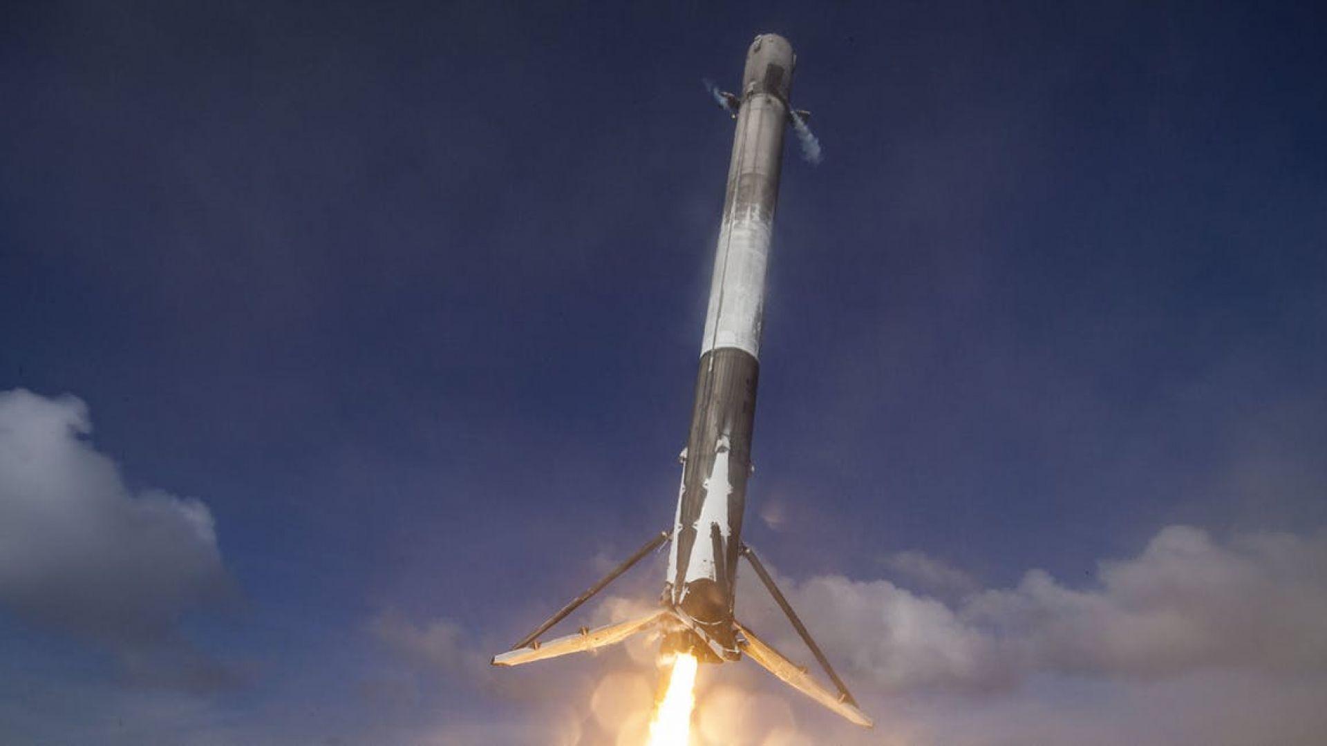 SpaceX успя да приземи своя ракета