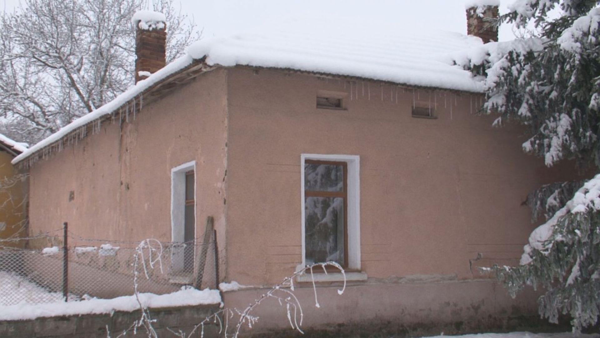 Валери Симеонов проговори за обира в бащиния му дом, били непълнолетни роми