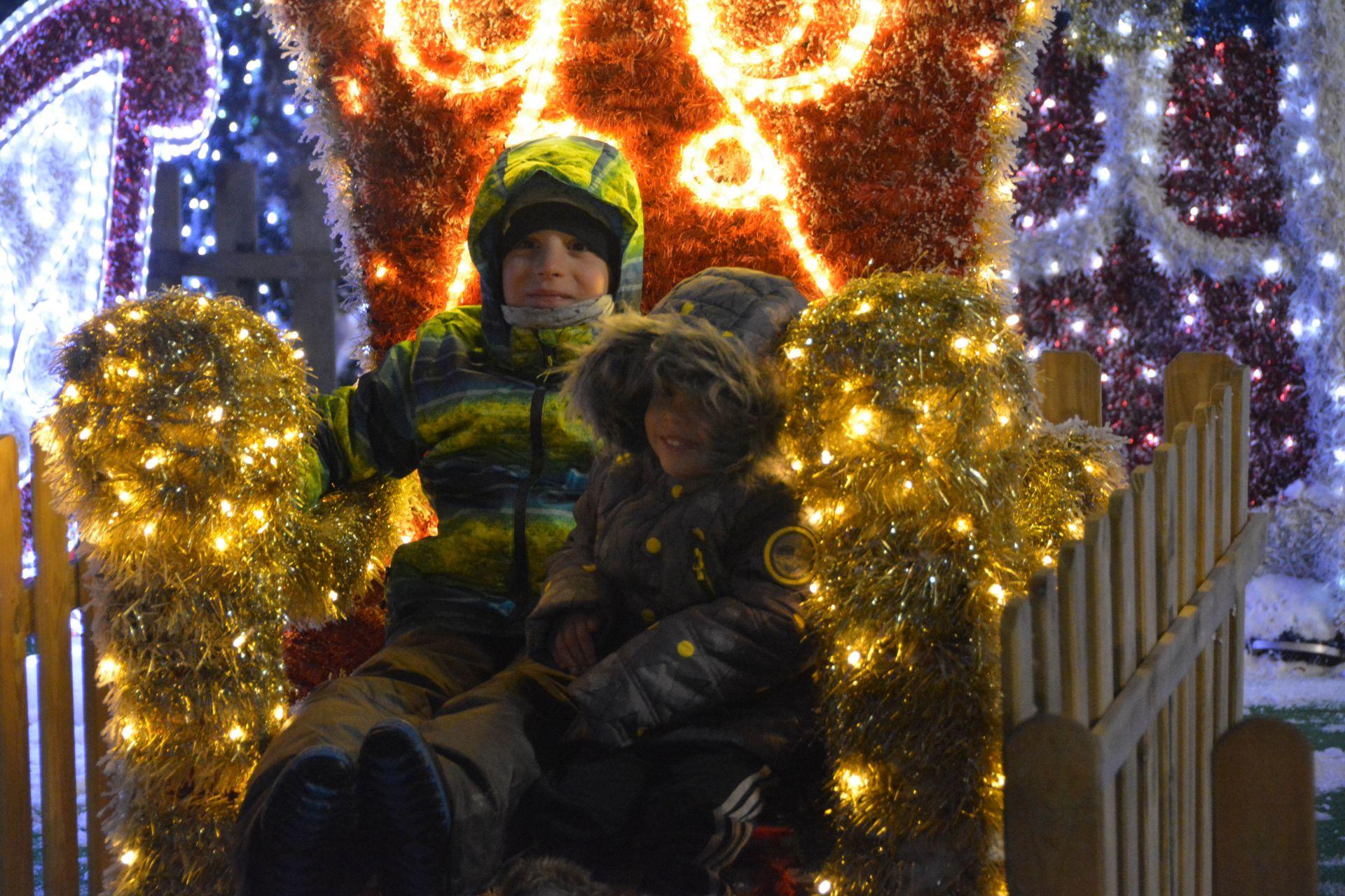 Коледен кът под елхата в Русе